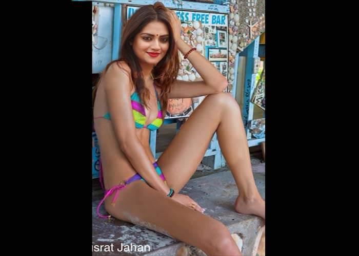nusrat jahan honeymoon viral image